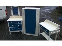 Lovely 1930s bedroom furniture set/drawers/mini robe/wash stand
