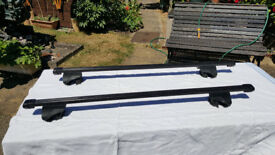 Thule roofbars. With fittings for Land rover Freelander 2005.