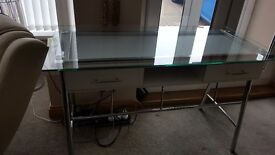 Desk White Modern with Glass Top Excellent Condition !! £45