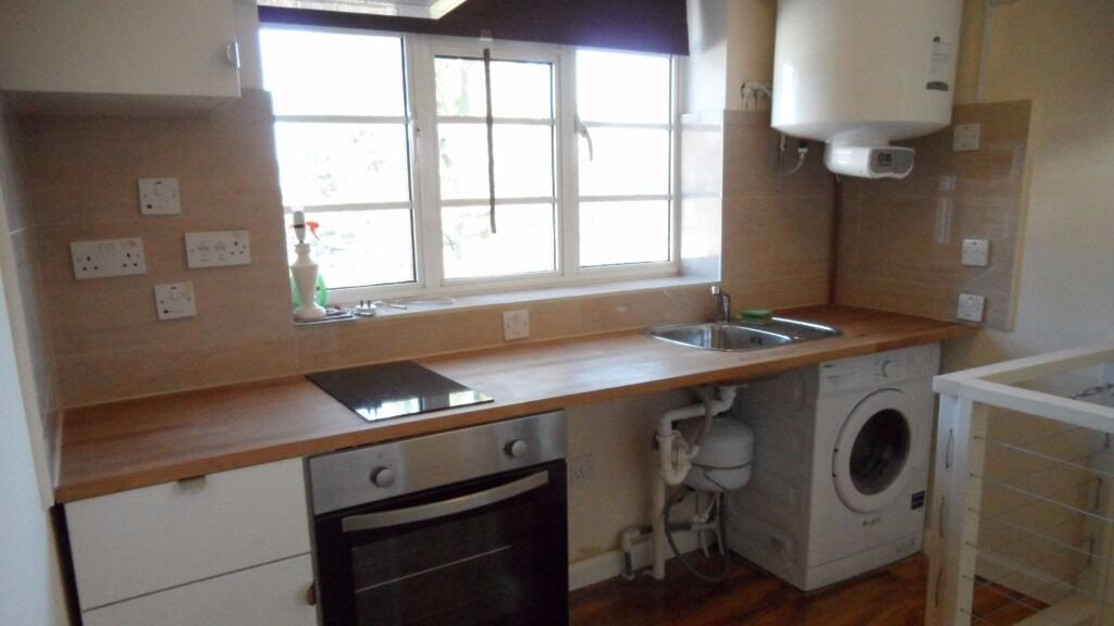 1 Bedroom Flat in Ashbourne Road, Ealing W5