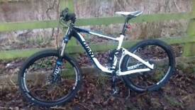 Giant trance x 2 2013 , medium frame , 26 wheels