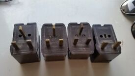 Rare 4 bakelite sockets adaptors