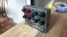 Electroharmonix Tone Tattoo in good condition. Has a great analogue delay, chorus and metal muff.