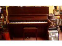 Piano - Lynton