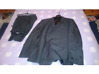 Dehavilland Mans Suit (Moss Bros) - Unworn