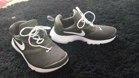 Boys Nike Trainers. Size 2.5