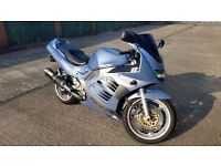 Suzuki RF900r Motorcycle. Excellent condition, 12 months MOT, ready to ride away for summer!