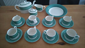 GREEN 22 PIECE TEA SET