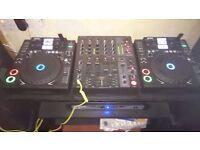 2 x gemini cdj 700, djx750, 1500 watt pa, beats mixr headphones