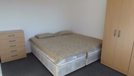DOUBLE ROOM IN Canary Wharf 190 per week !! ALL BILLS INCLUDED!