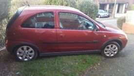 I AM SELLING THIS NEAT VAUXHALL CORSA WITH MOT UNTIL APRIL 2018