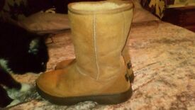 Ugg boots hardly worn