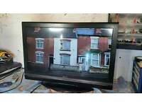 32 inch xenius hd tv dvd combo with new remote