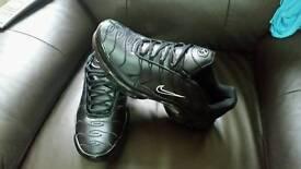 Black leather Nike air max tn size 9