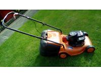 BRIGGS AND STRATTON 450 SERIES 148cc PETROL MOWER RUNS CUTS GRASS £25