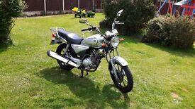 Yamaha ybr 125 custom (low miles)