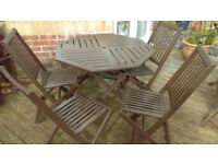 Hexagon shaped garden table and 4 chairs Teak.