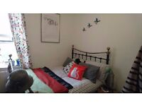 Fully furnished double room in cosy flat near transport and amenities
