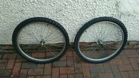 "26"" wheels with tyres"