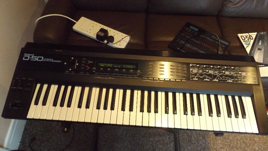 Roland D50 with Manuals and Atari 1040st sound editor/sounds