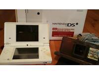 Nintendo DSI White with Super Mario Bros