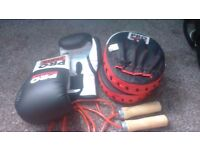 Pro power pads and gloves and skipping rope