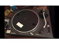 Technics sl 1210 mk2 turntable/record player