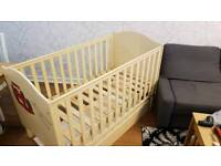 Solid wood baby cot with the bottom drawer