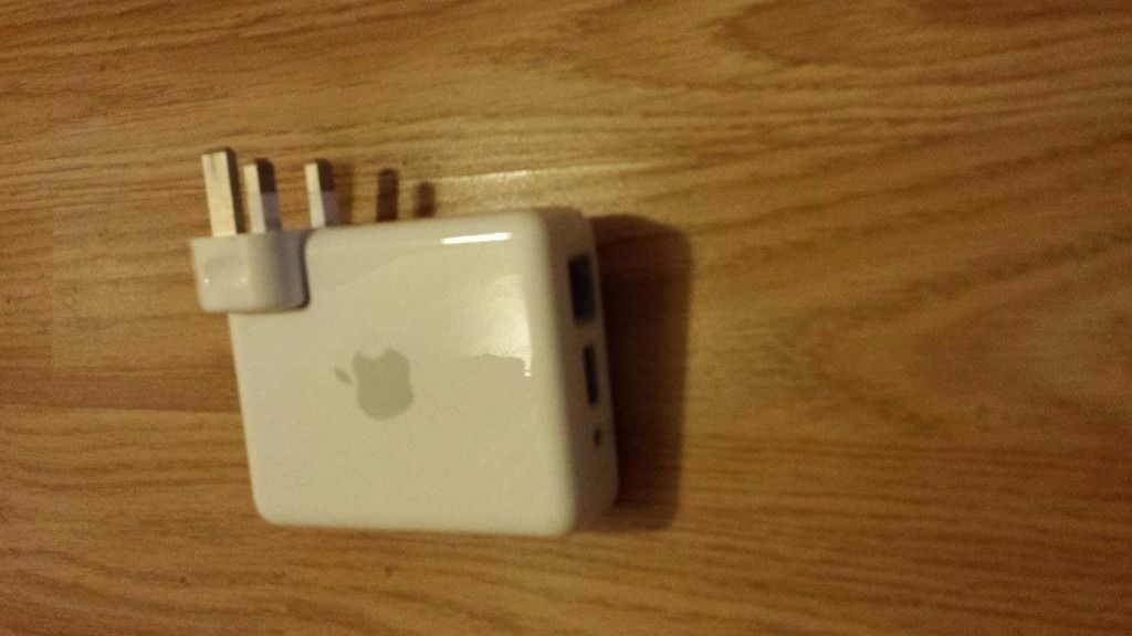 Apple Airport Express A1264 Airplay Wireless N Music Streaming Router