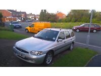 Ford escort estate 1.6 petrol 1 previous owner