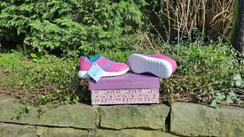 BRAND NEW CLARKS GIRLS TRAINERS