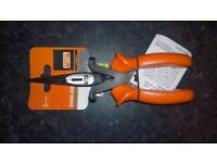 "BAHCO 2430S-200 Insulated Long Nose Pliers (8"")"