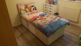 SINGLE BED WITH DRAWS AND IN VERY GOOD CONDITION