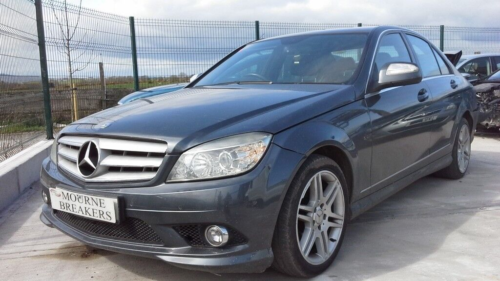 **FOR BREAKING** 2010 Mercedes C220 Cdi (auto).