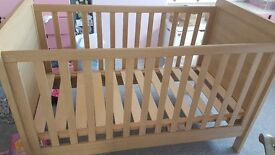 Mamas and Papas Rialto Cot / Cot Bed