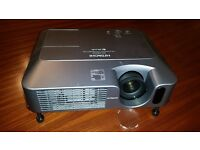 HITACHI ED-8250 Projector with carry case and full instructions