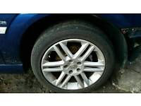 Vauxhall 17in sri alloys......they need 3 tyres
