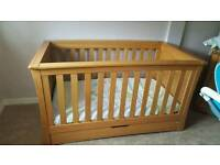 mamas and papas cotbed and drawers