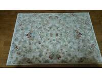 Rug in immaculate condition
