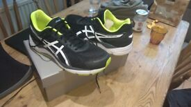 ASICS GEL-FORTITUDE 7 (2E) - wide fit black neon running trainers size 11 EU 46.5
