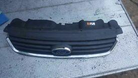Ford Kuga grill 2012