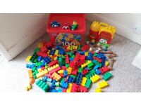 Box of 165 MegaBloks pieces including Farm, people and animals
