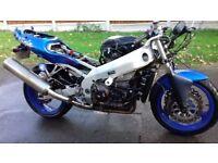 Kawasaki Ninja Z900. Good project bike. Carb or fuel pump problem.