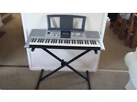Yamaha Digital Keyboard PSR-E323 with stand
