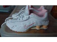 Nike shox size 4 1/2 ladies/girls