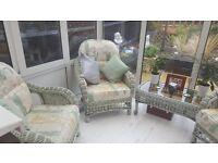 beautiful conservatory/rattan suite