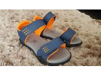 BRAND NEW BOYS GAP SANDALS
