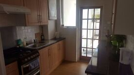 BEAUTIFUL ROOM IN MORDEN WITH ALL BILLS INCL 500PM