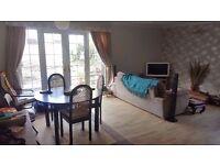 Double bedroom to rent in 3 bed bungalow in Southville - huge garden.