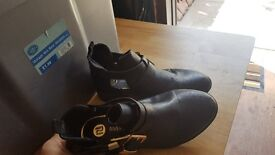 Shoes very cheap all sizes please look
